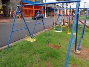 fabricação reforma brinquedos para playground